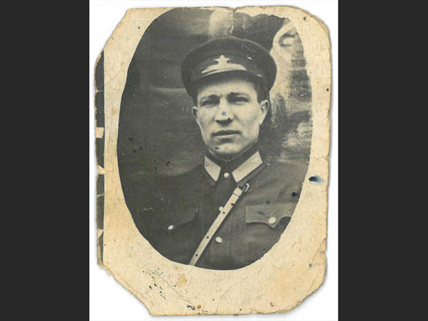 «Как не подлежащий призыву по возрасту, вошел в ополчение или отряд «старых большевиков»