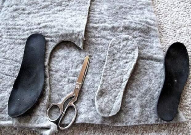 10. Из шерстяной ткани можно сделать отличные стельки для обуви, которые согреют тебя в любую погоду! зима, совет, хитрости
