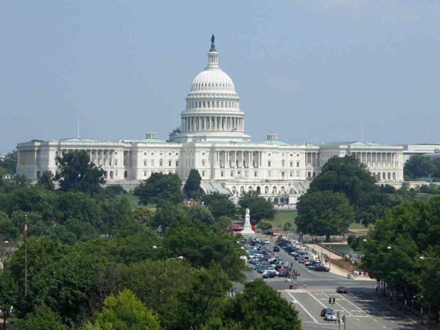 Сенат США решил простимулировать экономику на $2 триллиона