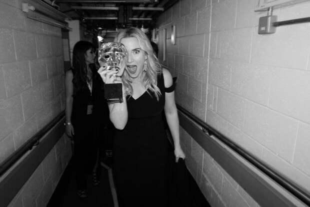 BAFTA 2016: лучшие фотографии знаменитостей за кулисами церемонии