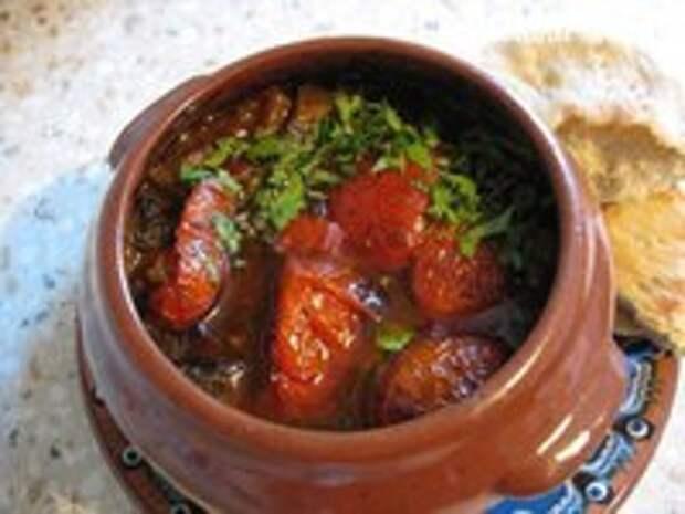 Ты можешь приготовить 17 потрясающих блюд в горшочках.