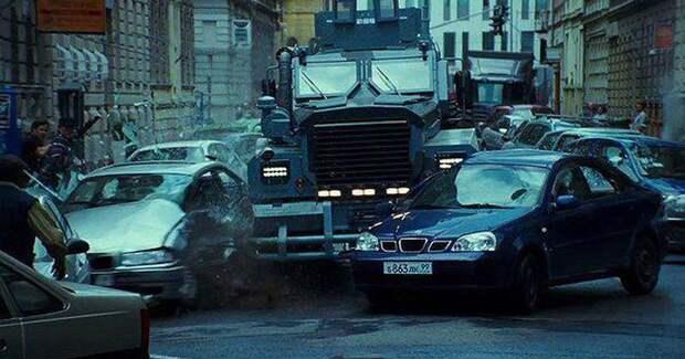 Боевик не получится, если не испортить кучу машин авто, кино, погони, спецэффекты