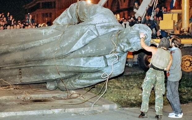 Решение принято: Дзержинский возвращается на Лубянскую площадь