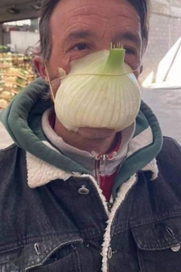 Смешные и забавные средства защиты от коронавируса, которые используют люди (44 фото)