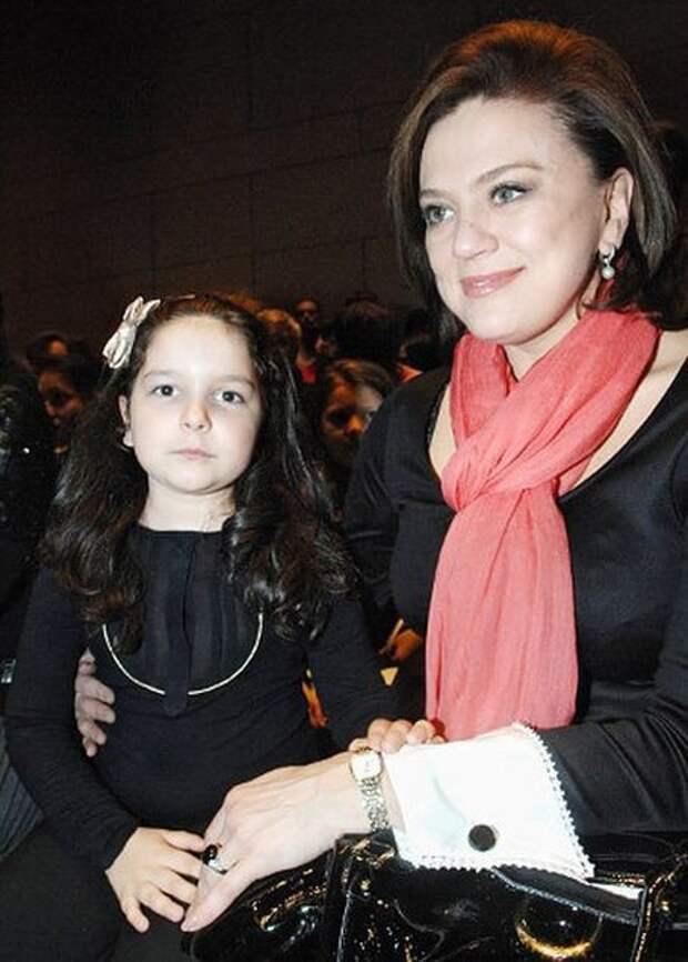 Светлана Сорокина и дочь Тоня дети, добро, родители, усыновление
