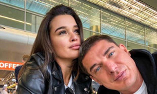 Мальчики налево, девочки направо: Бородина с мужем отдыхают в Дубае раздельно