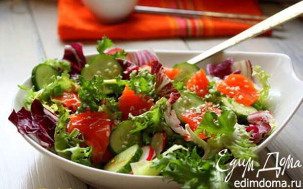 Рецепт – Овощной салат с лососем