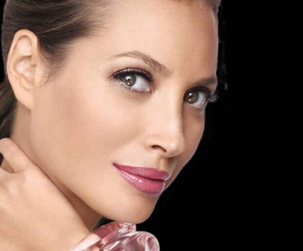 http://www.peoples.ru/art/fashion/mannequin/christy_turlington/turlington_14.jpg