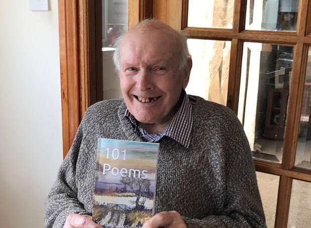 96-летний житель Шотландии проснулся знаменитым благодаря внучке и Twitter