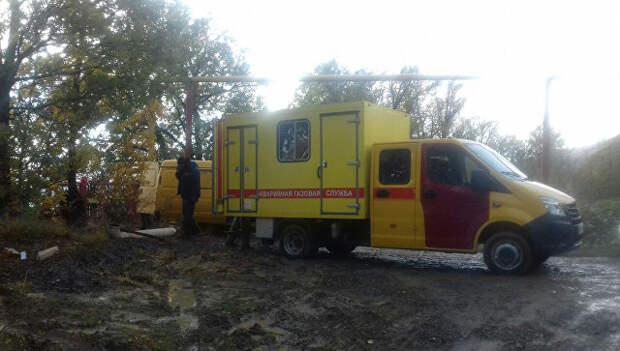 Аварийная служба на месте повреждения газопровода возле села Виноградное под Алуштой.