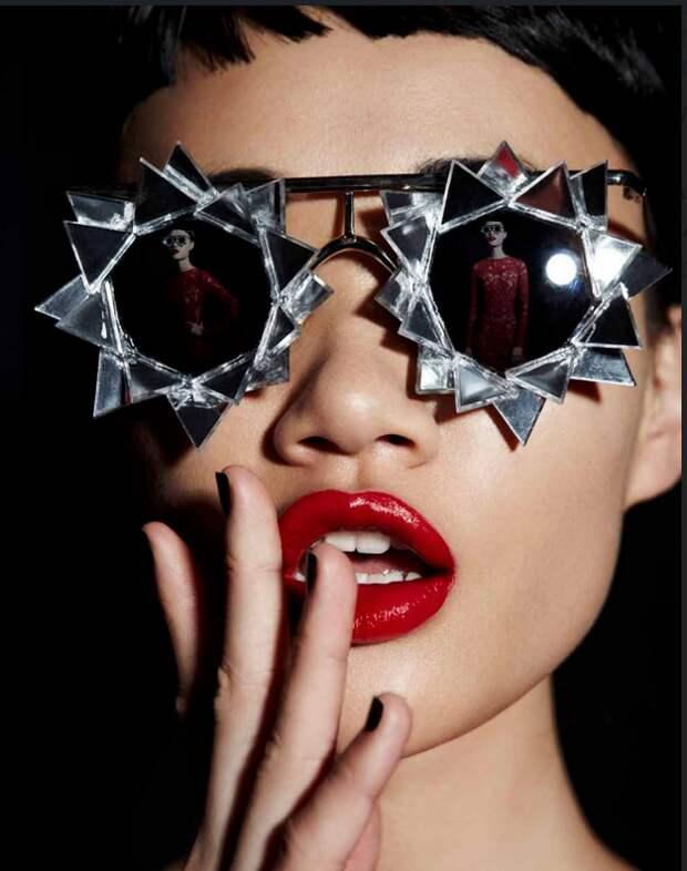 Mercura NYC: очки, которые поражают воображение.