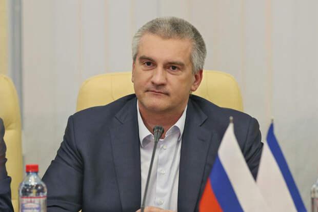 Аксенов прокомментировал инцидент с эсминцем Defender в Черном море