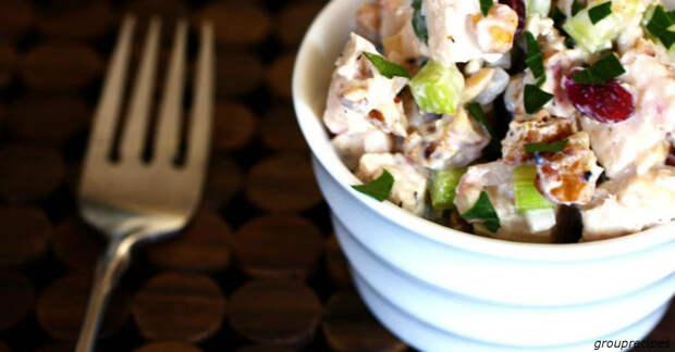 10 сытных салатов, которые можно сделать в конце дня за 10 минут