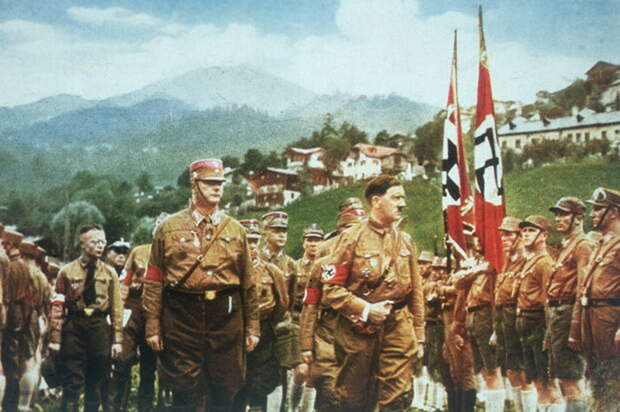 Адольф Гитлер - один из страшнейших диктаторов в мире.