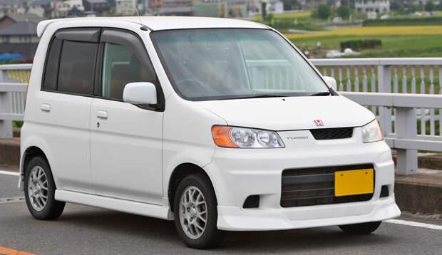 https://upload.wikimedia.org/wikipedia/commons/c/cf/Honda_Life_Dunk_001.JPG