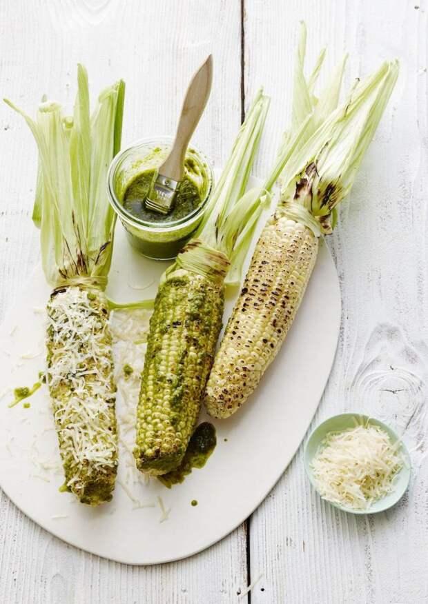 Кукуруза с пармезаном и базиликовым соусом вкусно, кукуруза, рецепт