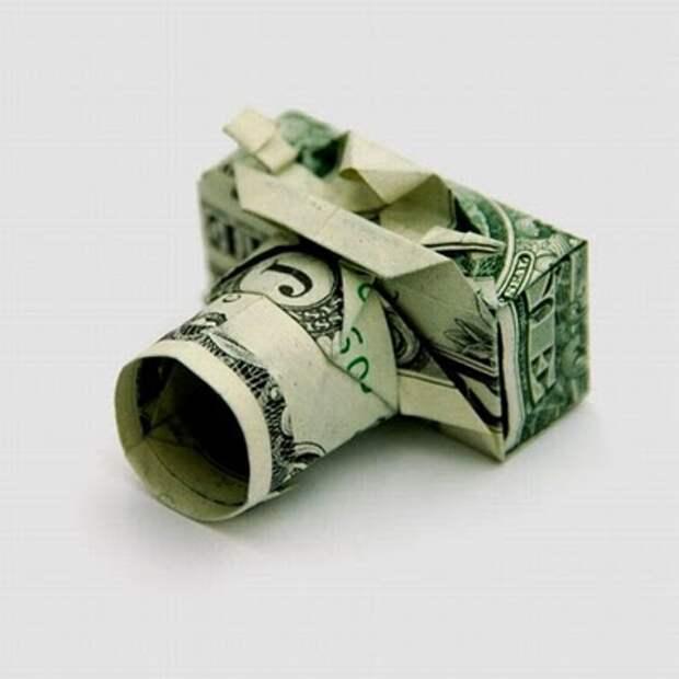 Оригами из денег - фотоаппарат