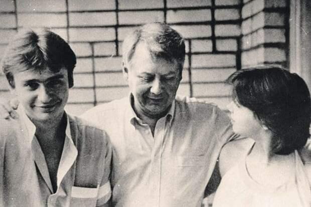 Олег Табаков и его дети от первого брака Антон и Александра | Фото: muzh-zhena.ru