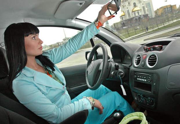 Женщины уверены, что водят лучше мужчин
