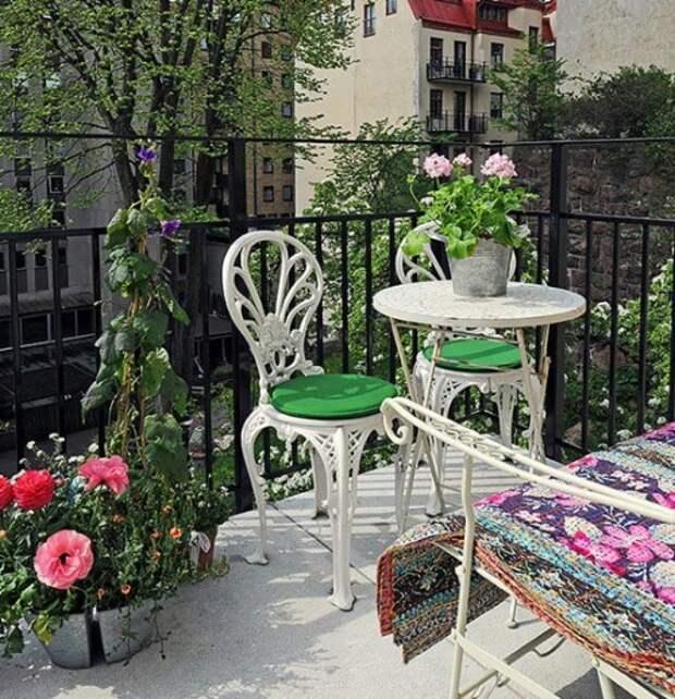 cozy-balconies-15-500x518.jpg балкон цветы (500x518, 128Kb)