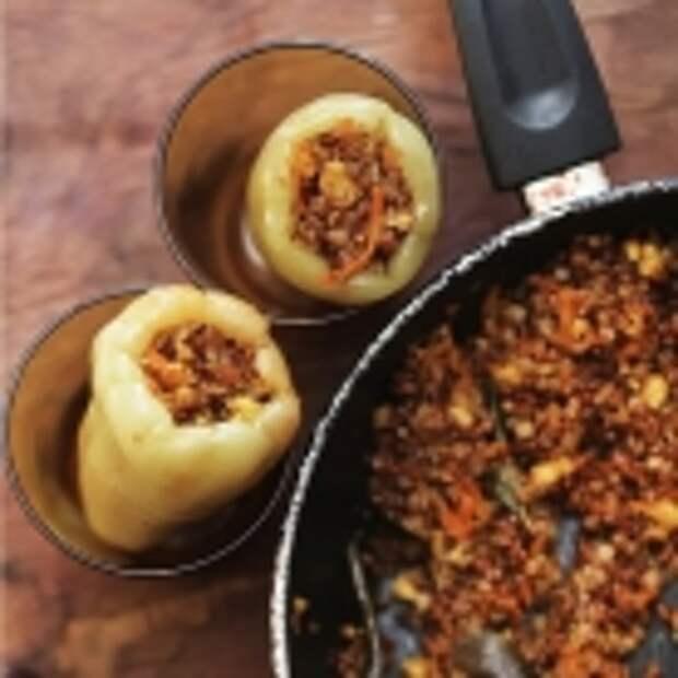 Перец, фаршированный сыром и гречкой