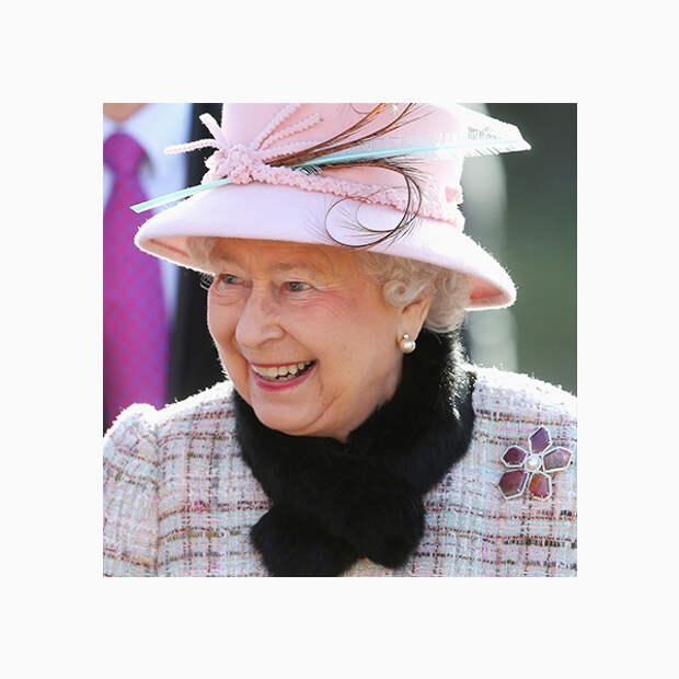 005 small Любимые броши британской королевы Елизаветы II
