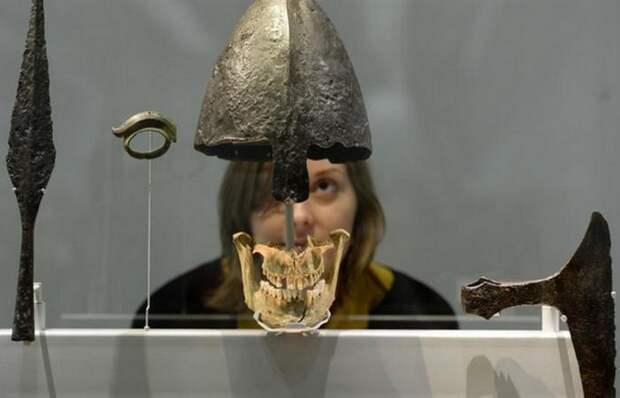 Шлем викинга./фото: irishtimes.com