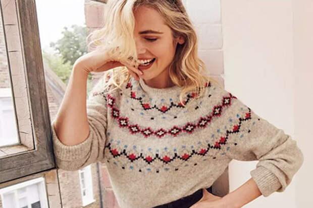 В узорах британского рождественского свитера разглядели женскую грудь