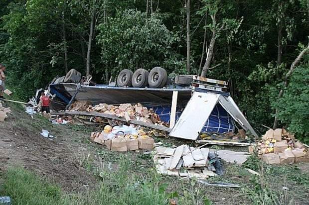 Виноватым в этом происшествии был, скорее всего, водитель грузовика