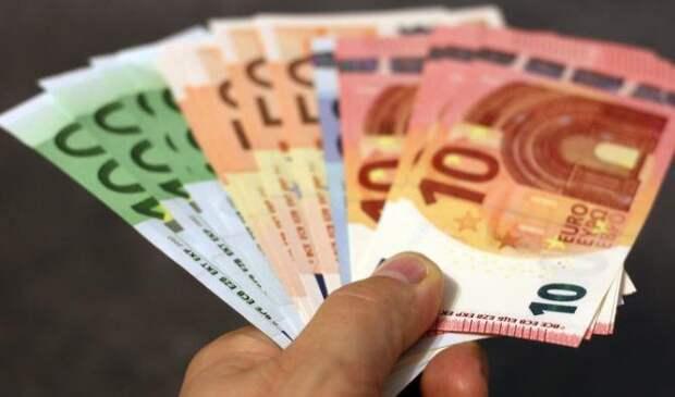Stern: в качестве эксперимента немцам начнут раздавать деньги на лучшую жизнь
