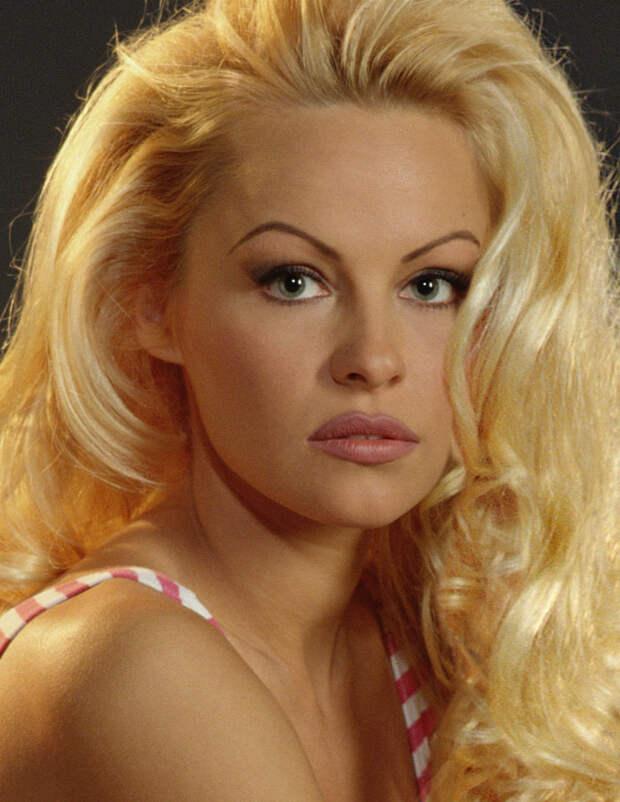 Памела Андерсон (Pamela Anderson) в фотосессии Рона Грепера (Ron Groeper) (1996), фото 2