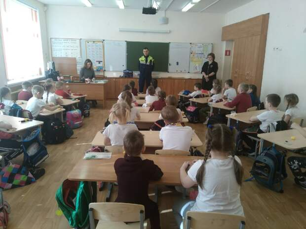Спасатели провели беседу со школьниками