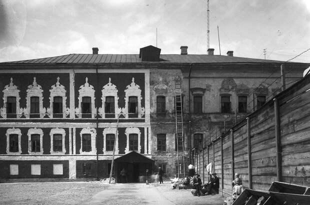 Палаты Троекурова во время реставрации в конце 1920-х годов