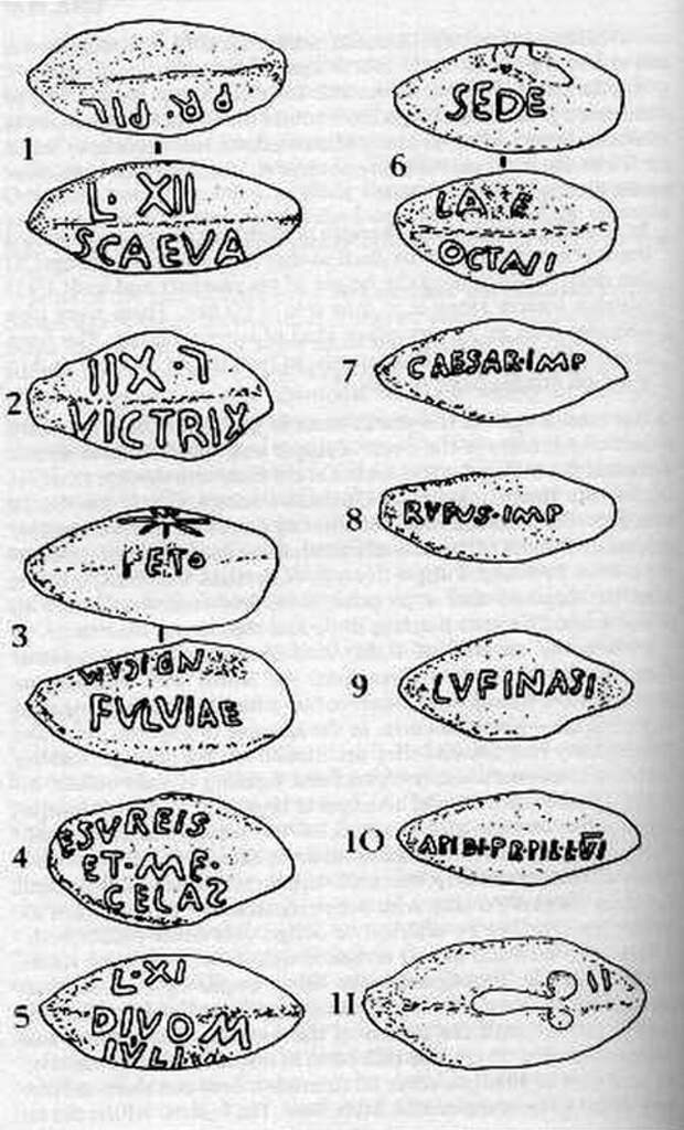 В результате археологических раскопок у стен Перузии было найдено много свинцовых ядер от пращи (glandes perusinae) с надписями, отражающими политические страсти, кипевшие по обе линии стен - Гражданские войны: Октавиан против Секста Помпея | Warspot.ru