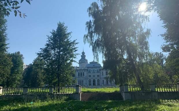 Танцевальный вечер «Песни о Москве» пройдет в Грачёвском парке