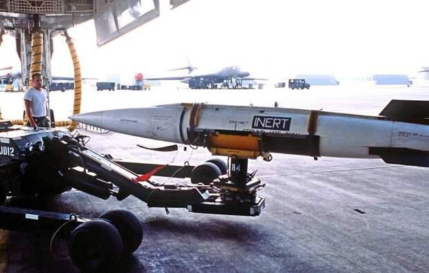 AGM-69 против С-300: как в США планировали уничтожить нашу ПВО