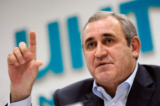 Депутат от Единой России предложил повысить цену шипованных шин, но Неверов его не поддержал