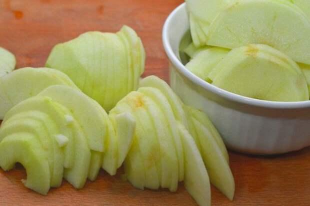 Нежный десерт с хрустящей корочкой — немецкий яблочный панкейк
