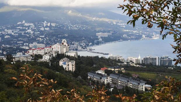 В Ялте продлили запрет на купание в Черном море