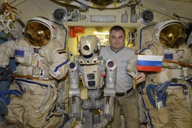 Прибывший на МКС робот «Федор» пожаловался на «агрессивного» российского космонавта