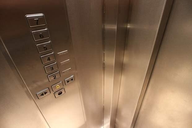 В 19-ти жилых домах Северного Тушина проведут ремонт лифтов