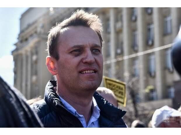 Почему Тихановскую хотят объединить с Навальным