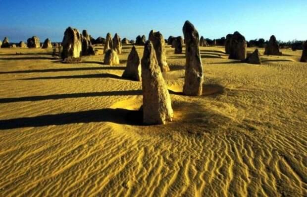 Пустыня с башенками в Австралии природа, пустыня