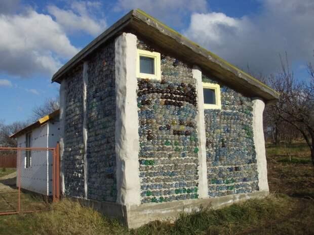 Дома и сооружения из бутылок алкоголь, бутылки, город, дома, строительство, урбанистика, эстетика