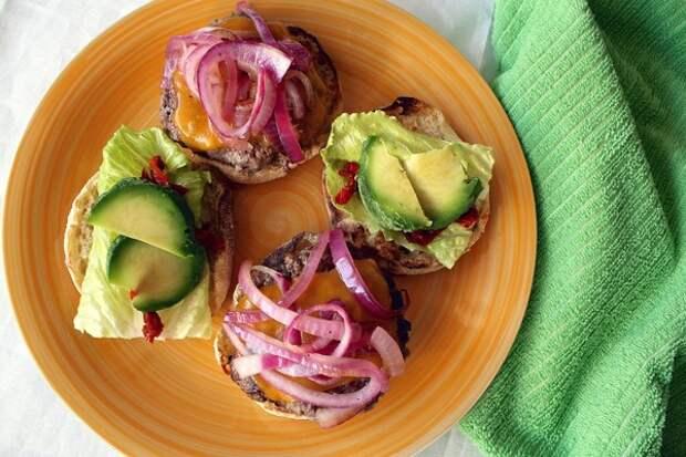 Перекус на скорую руку — 12 идей для вкусных бутербродов