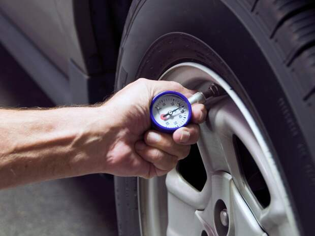 На полуспущенных: зачем нужен контроль давления в шинах и как он работает