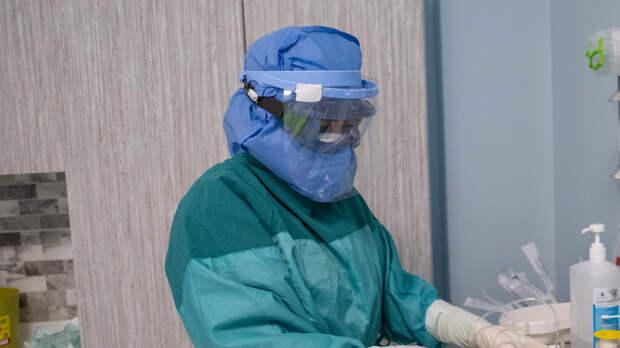 Коронавирус выявили у 8995 человек в РФ за сутки
