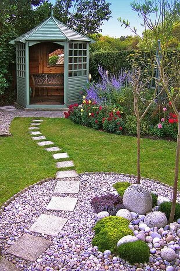Идеи оригинальных садовых дорожек из плит