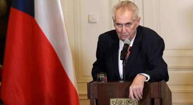 Президент Чехии назвал ошибкой вывод сил НАТО изАфганистана
