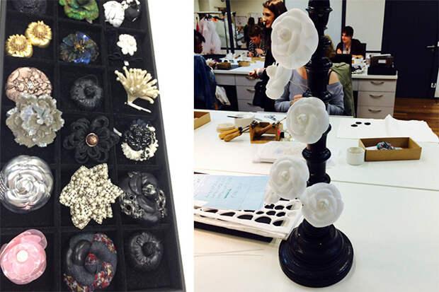 Витрина с камелиями Chanel в мастерской Lemarié